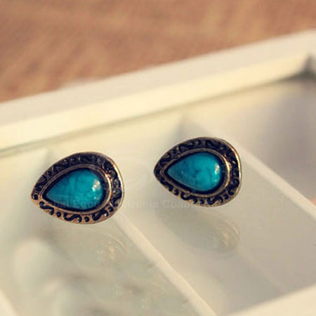 Inlaid-Water-drop-Shape-Stud-Earrings
