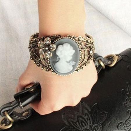 Openwork--Brooch-Style-Grave-Alloy-Bracelet1