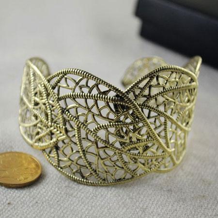 Openwork-Style-Grave-Alloy-Bracelet1